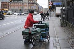 ΔΑΝΙΚΟΣ MAILMAN Στοκ φωτογραφία με δικαίωμα ελεύθερης χρήσης