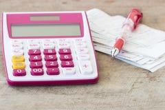 Δαπάνη πληρωμής ολισθήσεων του ελέγχου πιστωτικών καρτών και ελέγχου μηνιαία Στοκ Εικόνες