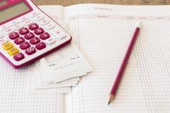 Δαπάνη πληρωμής ολισθήσεων του ελέγχου πιστωτικών καρτών και ελέγχου μηνιαία Στοκ Εικόνα