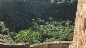 Δασική άποψη Calcata απόθεμα βίντεο