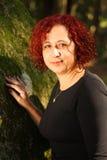 δασική πράσινη κόκκινη γυν&al Στοκ εικόνες με δικαίωμα ελεύθερης χρήσης