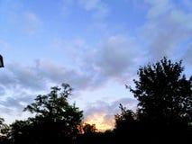 δασικό ηλιοβασίλεμα της Ρουμανίας φθινοπώρου Στοκ Φωτογραφίες