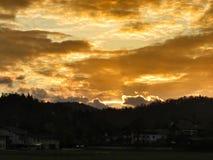 δασικό ηλιοβασίλεμα της Ρουμανίας φθινοπώρου Στοκ Φωτογραφία