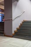 Δασόβιο ξενοδοχείο - σκαλοπάτια Στοκ εικόνες με δικαίωμα ελεύθερης χρήσης