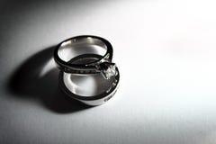 δαχτυλίδια αρραβώνων Στοκ εικόνα με δικαίωμα ελεύθερης χρήσης