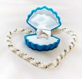 δαχτυλίδι μαργαριταριών π στοκ εικόνες με δικαίωμα ελεύθερης χρήσης