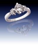 Δαχτυλίδι με τα διαμάντια Στοκ Εικόνες