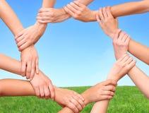 δαχτυλίδι προϊόντων χεριών &p Στοκ εικόνα με δικαίωμα ελεύθερης χρήσης