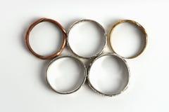 Δαχτυλίδια με το σύμβολο Ολυμπιακών Αγωνών Στοκ Φωτογραφία