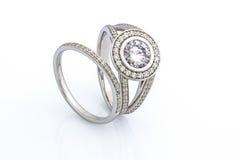 Δαχτυλίδια που τίθενται γαμήλια Στοκ φωτογραφία με δικαίωμα ελεύθερης χρήσης