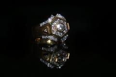 Δαχτυλίδι και πολύτιμος λίθος διαμαντιών κοσμημάτων Στοκ φωτογραφία με δικαίωμα ελεύθερης χρήσης