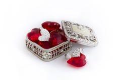 Δαχτυλίδι καρδιών με τις κόκκινες καρδιές Στοκ Εικόνες