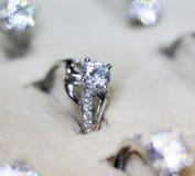 Δαχτυλίδι κοσμημάτων μόδας με το zircon Στοκ Φωτογραφία