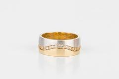 Δαχτυλίδι με τους πολύτιμους λίθους Στοκ φωτογραφία με δικαίωμα ελεύθερης χρήσης