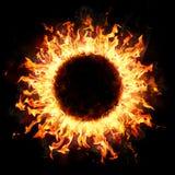 Δαχτυλίδι πυρκαγιάς στο σκοτάδι στοκ φωτογραφία