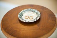 Δαχτυλίδι στο πιάτο Στοκ εικόνα με δικαίωμα ελεύθερης χρήσης
