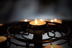 Δαχτυλίδι των φωτεινών κεριών Στοκ εικόνες με δικαίωμα ελεύθερης χρήσης