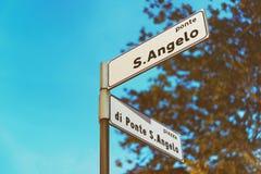Δείκτης οδών Sant Angelo Ponte στη Ρώμη που τονίζεται Στοκ Εικόνα