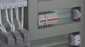 Δείκτης τάσης επαφών στοιχείων ελέγχου μικροελεγκτών στο εργοστάσιο απόθεμα βίντεο