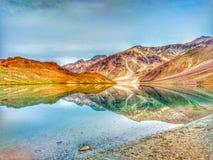 Δείτε στην ομορφιά δ Chandratal τη λίμνη φεγγαριών στοκ φωτογραφία