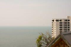 Δείτε την άποψη θάλασσας σχετικά με την κορυφή Στοκ εικόνες με δικαίωμα ελεύθερης χρήσης