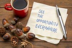 Δείτε την ευκαιρία παντού στοκ εικόνα