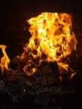 δεδομένου ότι η ανασκόπηση είναι όμορφη μπορεί να βάλει φωτιά στη νύχτα φλογών χρησιμοποιούμενη Στοκ φωτογραφίες με δικαίωμα ελεύθερης χρήσης