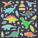 Δεινόσαυροι που τίθενται για τις αυτοκόλλητες ετικέττες Δεινόσαυροι που τίθενται για τις αυτοκόλλητες ετικέττες Τύποι δεινοσαύρων απεικόνιση αποθεμάτων