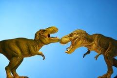 Δεινόσαυρος στο μπλε υπόβαθρο Στοκ Εικόνα