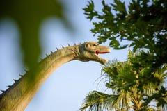 Δεινόσαυρος στο υπόβαθρο ζουγκλών Στοκ φωτογραφίες με δικαίωμα ελεύθερης χρήσης