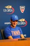 Δεκαεπτά φορές ο πρωτοπόρος Roger Federer του Grand Slam κατά τη διάρκεια της συνέντευξης τύπου αφότου έχασε τη ημιτελική αντιστο Στοκ Φωτογραφία