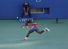 Δεκαεπτά φορές ο πρωτοπόρος Serena Ουίλιαμς του Grand Slam κατά τη διάρκεια του τελικού αγώνα της στις ΗΠΑ ανοίγει το 2013 ενάντια Στοκ φωτογραφία με δικαίωμα ελεύθερης χρήσης