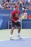 Δεκαεπτά φορές πρακτικές του Roger Federer πρωτοπόρων του Grand Slam για τις ΗΠΑ ανοικτές στην εθνική αντισφαίριση Cente βασιλιάδω Στοκ εικόνες με δικαίωμα ελεύθερης χρήσης