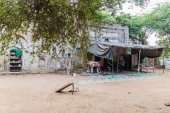ΔΕΛΧΙ, ΙΝΔΙΑ - 23 ΟΚΤΩΒΡΊΟΥ 2016: Μικρό Madrasa στην περιοχή Mehrauli του Δελχί, IND στοκ φωτογραφίες