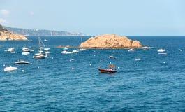 Δεμένα βάρκες και γιοτ Στοκ φωτογραφία με δικαίωμα ελεύθερης χρήσης