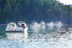 Δεμένα ταχύπλοα σκάφη καμπινών Στοκ φωτογραφία με δικαίωμα ελεύθερης χρήσης