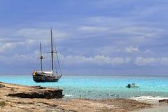 δεμένο εμπνευσμένο sailboat πει&r Στοκ εικόνα με δικαίωμα ελεύθερης χρήσης