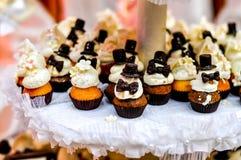 Δεξίωση γάμου cupcakes Στοκ φωτογραφία με δικαίωμα ελεύθερης χρήσης