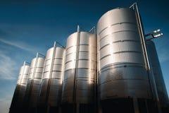 Δεξαμενές εργοστασίων κρασιού έξω Στοκ φωτογραφία με δικαίωμα ελεύθερης χρήσης
