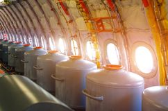 Δεξαμενές με το νερό στις παραφωτίδες, για τις δοκιμαστικές πτήσεις στα πρωτότυπα αεροσκαφών Στοκ εικόνα με δικαίωμα ελεύθερης χρήσης
