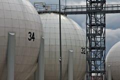 δεξαμενές πετρελαίου Στοκ φωτογραφία με δικαίωμα ελεύθερης χρήσης