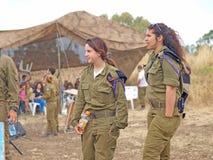Δεξαμενές Merkava και ισραηλινοί στρατιώτες στις θωρακισμένες δυνάμεις κατάρτισης Στοκ εικόνες με δικαίωμα ελεύθερης χρήσης