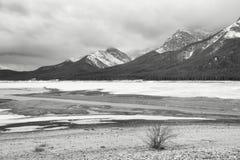 Δεξαμενή λιμνών ψεκασμού το χειμώνα στοκ εικόνες