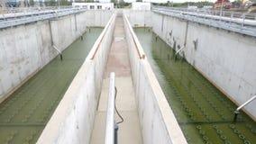 Δεξαμενή νερού εργοστασίων επεξεργασίας απόβλητου ύδατος απόθεμα βίντεο