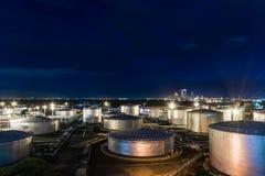 Δεξαμενή πετρελαίου βιομηχανική Στοκ Φωτογραφίες