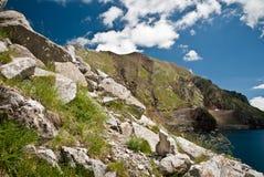 Δεξαμενή στα βουνά των ισπανικών Πυρηναίων Στοκ Εικόνες