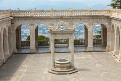 Δεξαμενή στο μοναστήρι Bramante, Benedictine αβαείο Monte Cassino Ιταλία στοκ φωτογραφία με δικαίωμα ελεύθερης χρήσης