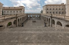 Δεξαμενή στο μοναστήρι Bramante, Benedictine αβαείο Monte Cassino Ιταλία Στοκ Φωτογραφία