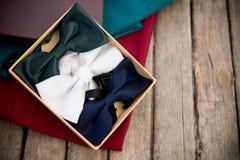 Δεσμοί τόξων των διάφορων χρωμάτων Στοκ εικόνα με δικαίωμα ελεύθερης χρήσης