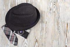 Δεσμός καμερών καπέλων στοκ φωτογραφίες